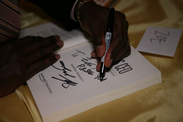 Image name: NY_Booksigning_0123 .JPG 